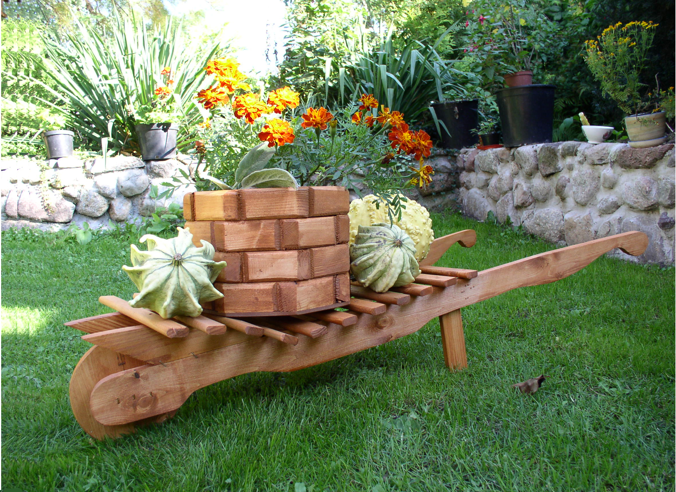 Other wooden products garden artisans for Wooden garden decorations