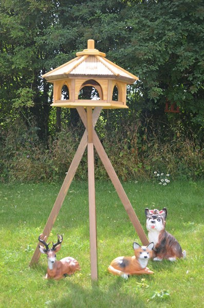 bird feeders garden artisans. Black Bedroom Furniture Sets. Home Design Ideas